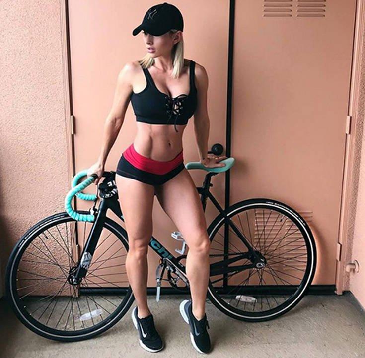 Το fitness model με το απίστευτο σώμα (photos) 9