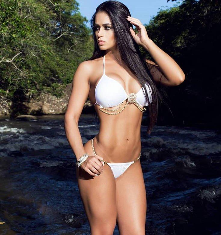 Η Andrea Araujo είναι fitness model και της αρέσει το ποδόσφαιρο (photos) 8