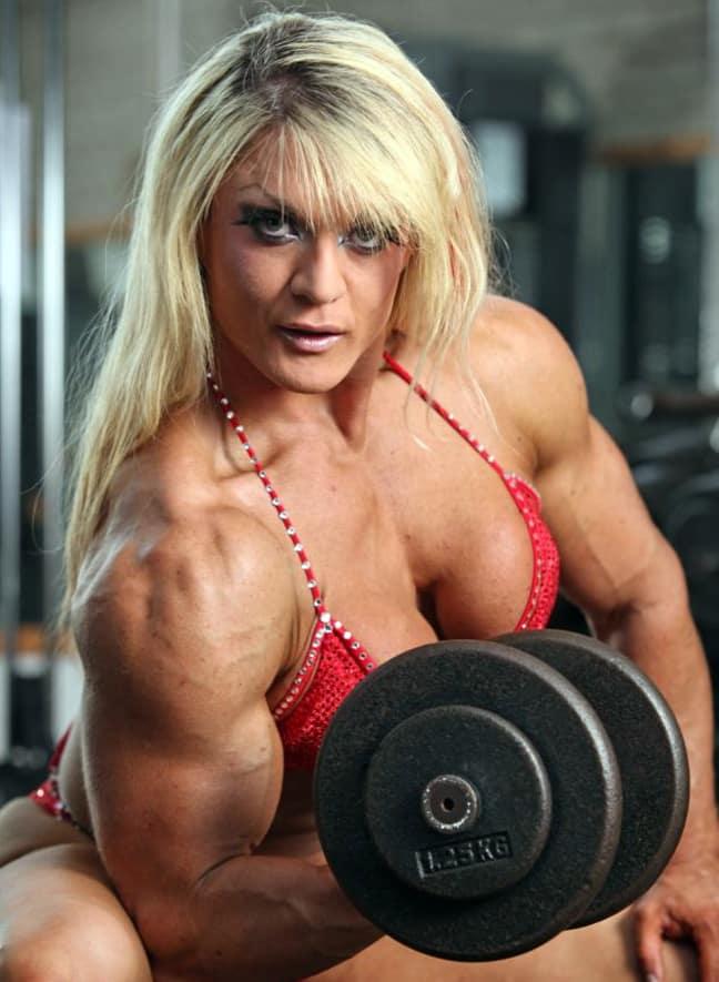 Το έριξε στο  bodybuilding και σώθηκε από την ανορεξία 2