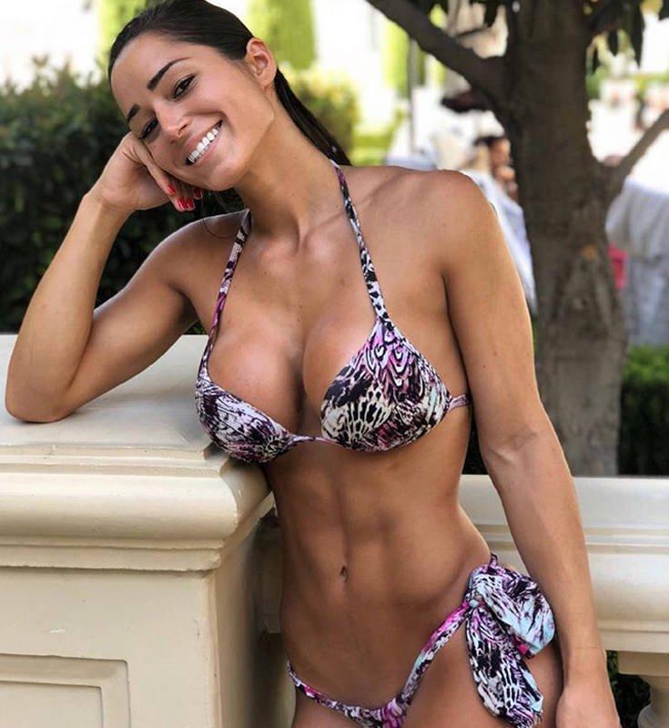 Η Bruna Luccas με το απίστευτα γυμνασμένο κορμί της. 8