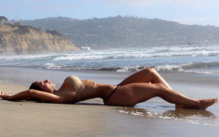 Η Bruna Luccas με το απίστευτα γυμνασμένο κορμί της. 6