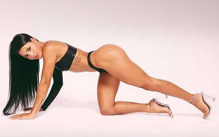 Το πληθωρικό Fitness model και personal trainer με τις εξωτικές καμπύλες 3