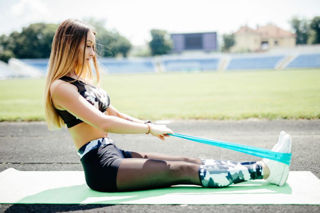 Ασκήσεις για να εντάξετε τα λάστιχα στην προπόνησή σας 1